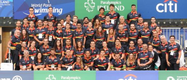 El equipo de natación que participó en el Europeo de Dublín