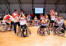 Las jugadoras españolas celebran la victoria ante Francia
