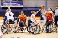 Un momento del partido España-Alemania por el bronce en el Europeo femenino basket en silla