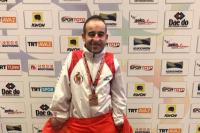 Álex Vidal con su medalla
